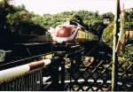 Personenzuge/40312/der-sonderzug-mit-einem-triebwagen-der Der Sonderzug mit einem Triebwagen der Baureihe 601 (601 008-6) verläßt am 22.09.1984 den Bahnhof Arnsberg und fährt soeben in den Schloßbergtunnel ein.(Scan vom alten Foto)